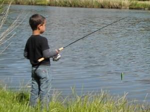 Jordie aan het vissen