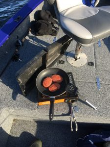 Hamburgers bakken Gooimeer