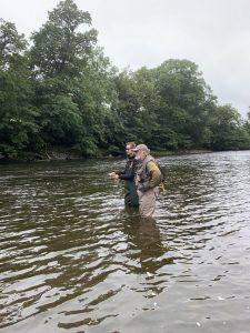 Vliegvissen op upper river Wye met Oliver Burch